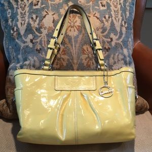 Coach patent yellow shoulder leather bag